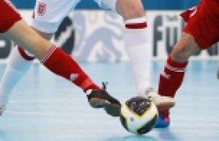 Futsal Kız-Erkek Yıldızlar grup müsabakaları...