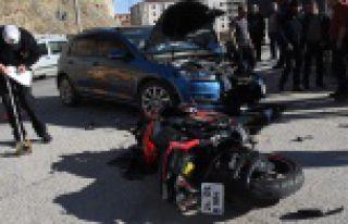 Gümüşhane'de otomobille motosiklet çarpıştı:...