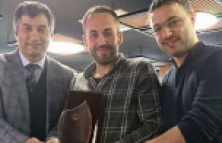 Jeofizik mühendislerinden Demirel'e onur plaketi
