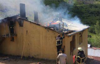 Olucak köyünde yangın
