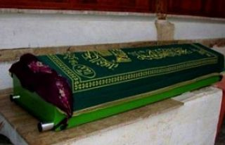 Fatma Aynur KAYAOĞLU Hakk'ın rahmetine kavuşmuştur