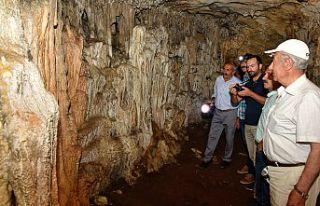 Efsaneleriyle ünlü 40 odalı Arılı Mağarası...