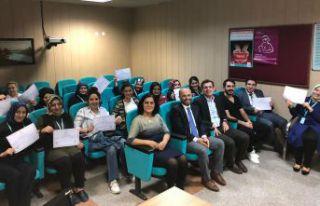 Sağlık personeline işaret dili eğitimi verildi
