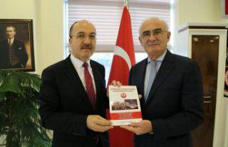 Yusuf Ziya Yılmaz'den Rektör Zeybek'e...