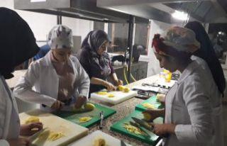 Aşçı yardımcılığı kursu açıldı
