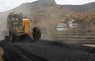İl Özel İdaresi asfalt çalışmalarına devam...