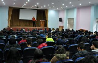 Mehmet Yurdadön öğrencilerle buluştu