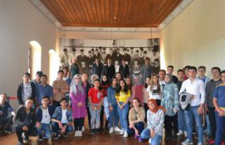 Gençler 100.Yılda Atatürk'ün yolunda