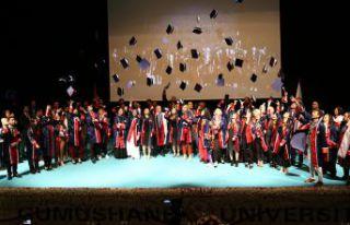 Gümüşhane Üniversitesinde mezuniyet ve 11.Kuruluş...