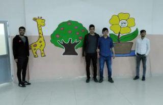KYK'lı öğrenciler okul boyadı