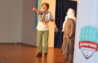 Torul'da Karma Karışık tiyatro