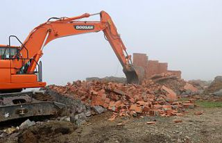 Gümüşhane yaylalarındaki kaçak binaların yıkımı...