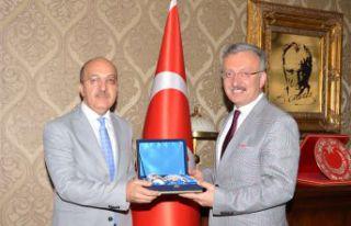 Rektör Zeybek Erzincan Üniversitesi Rektörü ile...