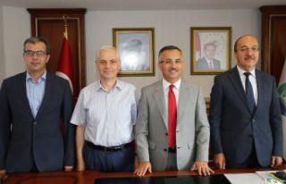 Rektör Zeybek'ten Rize'de önemli ziyaretler