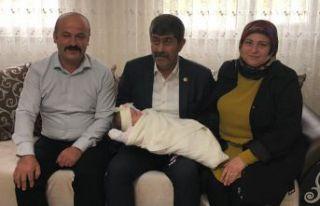 Başkan Özdemir ev ziyaretlerine devam ediyor