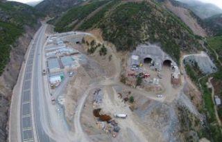 Yeni Zigana tünelinde kazı oranı yüzde 61,5, kaplama...