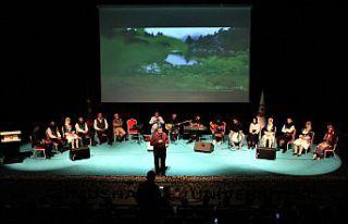 Kongrede müzik ve şiir esintileri