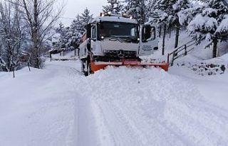 Gümüşhane köy yollarında karla mücadele çalışmaları...