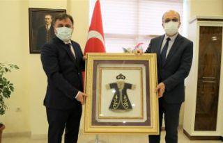 Başkan Çimen'den Rektör Zeybek'e hayırlı...