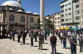 Filistin'deki şehitler için gıyabi cenaze...