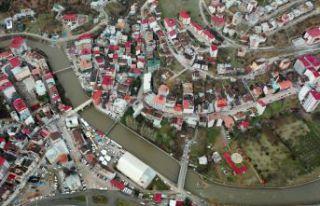 Torul'da iki apartman ve bir mahalle karantinaya...