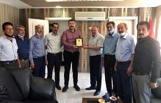 22 köy muhtarından Kaymakam Karakaş'a teşekkür