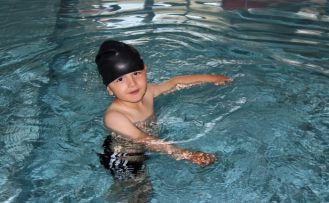 Gümüşhane yüzmeyi sevdi