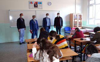 8. Sınıf Öğrencilerine Deneme Sınavı Yapıldı