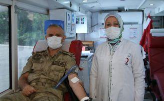 Vatan için can verenler kan verdi