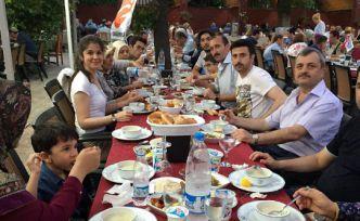 Eskişehir'deki Gümüşhaneliler iftar sofrasında bir araya geldi