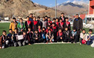 Okullar arası yıldız ve küçük erkek futbol müsabakaları sona erdi