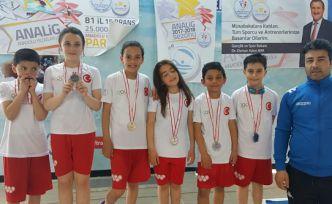 Yüzücülerimiz Trabzon'dan 14 madalya ile döndü