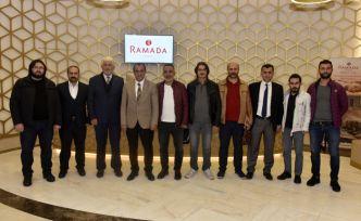 MHP heyeti gazetecilerle buluştu
