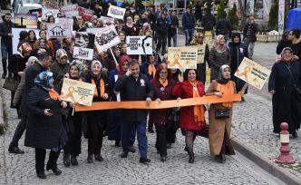 Gümüşhane'de 'Kadına Şiddet İnsanlığa İhanettir' yürüyüşü