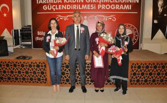3 kadın çiftçiye ödül
