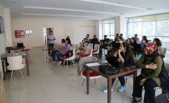 GÜ'de akademisyenlere bilimsel çalışma eğitimleri veriliyor