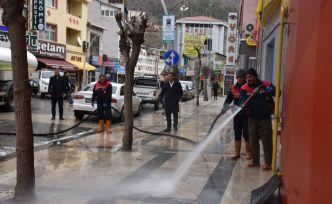 Gümüşhane'de caddeler yıkanıyor
