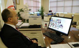 Eğitimlerini alan akademisyenlere online sertifika töreni