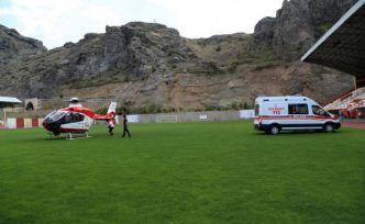 Ambulans helikopter 56 yaşındaki hasta için geldi