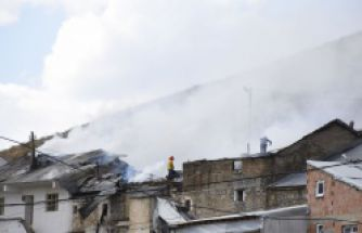 Gümüşhane'de korkutan yangın: 4 ev ve samanlık kül oldu