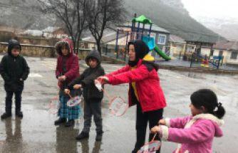 Kale Koçkaya badminton malzemelerine kavuştu