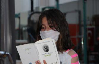 Gümüşhane'de sporcular her antrenmandan önce kitap okuyor