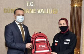 Gümüşhane'de okul müdürlerine afet çantası dağıtıldı