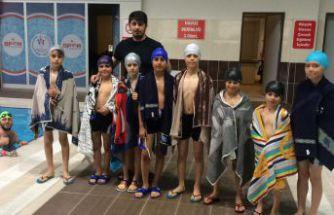 Gümüşhane'de 740 öğrenci yüzme öğrendi