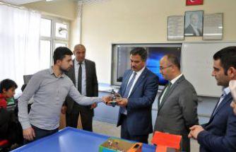 Doğan, Torul'daki okulları ziyaret etti