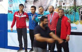 İşitme engelli güreşçilerimizden 2 madalya