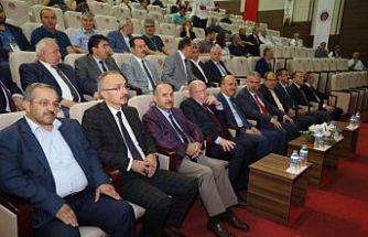 Rektör Zeybek, ÜNİDOKAP Karadeniz Sempozyumunda