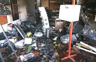 Yangında elektronik eşyalar bomba gibi patladı