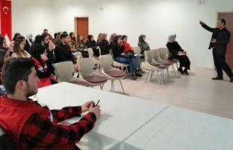 GÜ'de öğrenciler afet bilinci eğitimi verildi