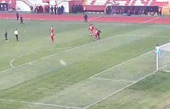 Başkent Akademi FK'lı futbolcudan boks şov